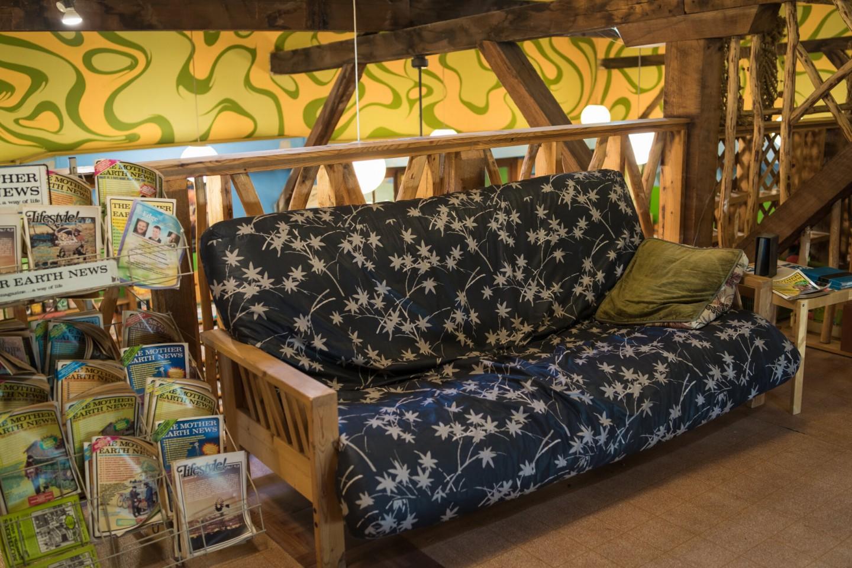 sofa in Tochi