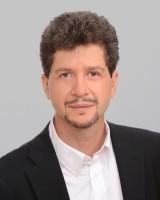 Author Andrés Reséndez